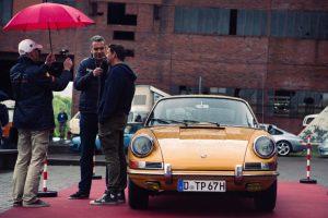 Tom Schwede, Moderator beim Porsche-Treffen Open Flair in Herten 2016